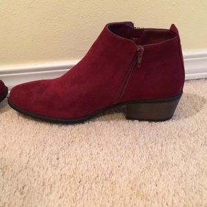 Ankle boots size 9 red